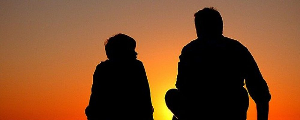 silhouette-1082129_640