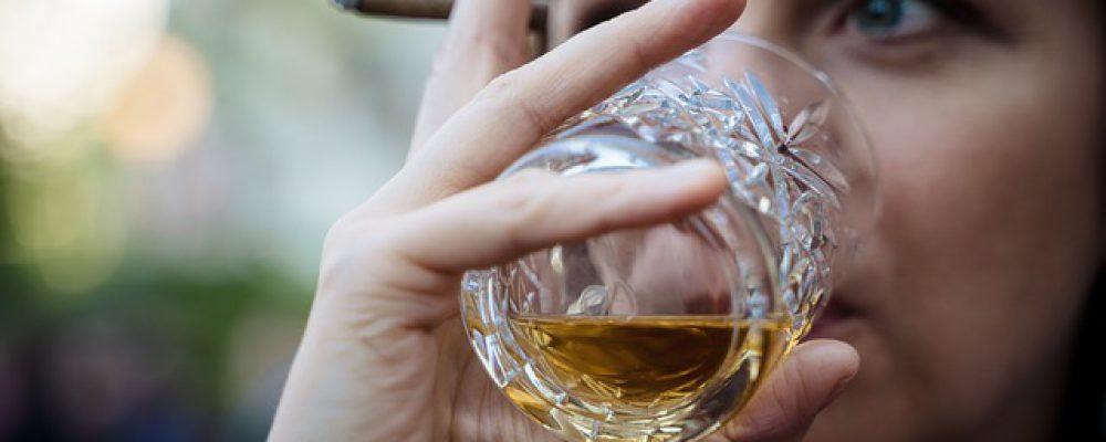 whiskey-4144391_640